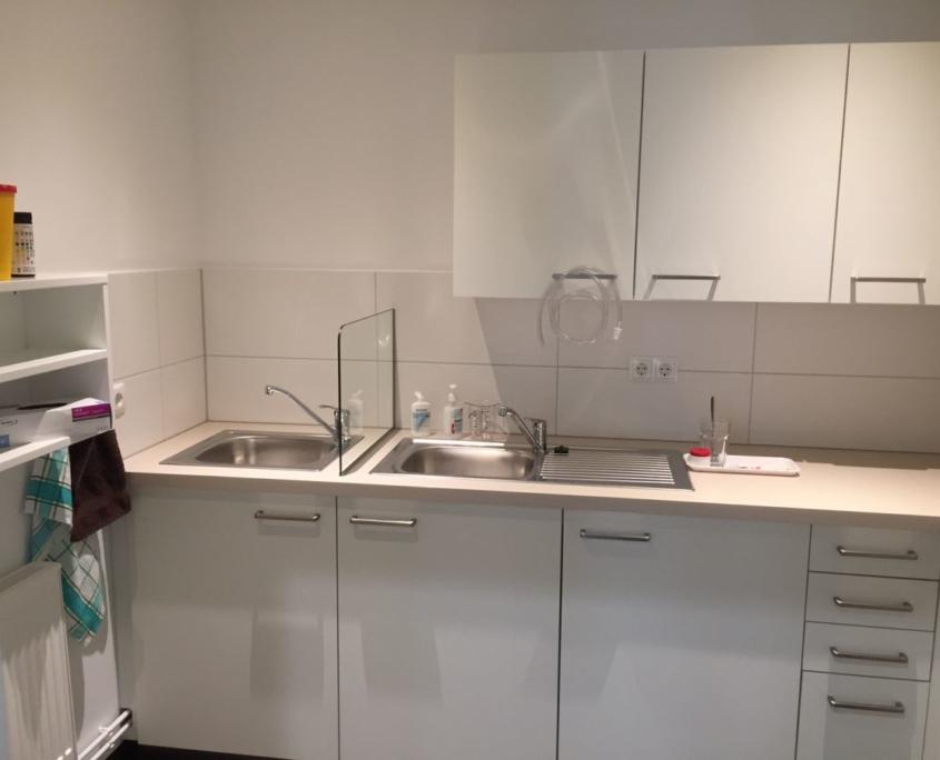 Labormöblierung, Laborschränke für Frauenarztpraxis in Leipzig, maroc design GmbH