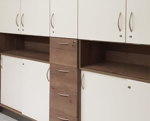 Schrank, Möbel für Allgemeinarztpraxis, abschließbar